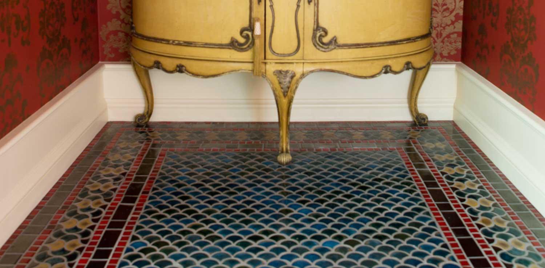 Peacock Green Shape Tile Floor Hero