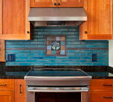 Northshore Arts & Crafts backsplash with Stone Hollow Tile accent